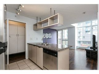 """Photo 3: 605 1082 SEYMOUR Street in Vancouver: Downtown VW Condo for sale in """"FREESIA"""" (Vancouver West)  : MLS®# V1140454"""