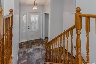 Photo 2: 255 Flavelle Crescent in Saskatoon: Dundonald Residential for sale : MLS®# SK851411