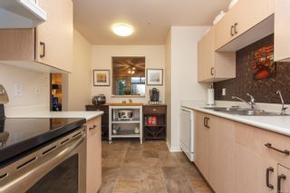 Photo 14: 106 1196 Sluggett Rd in : CS Brentwood Bay Condo for sale (Central Saanich)  : MLS®# 863140