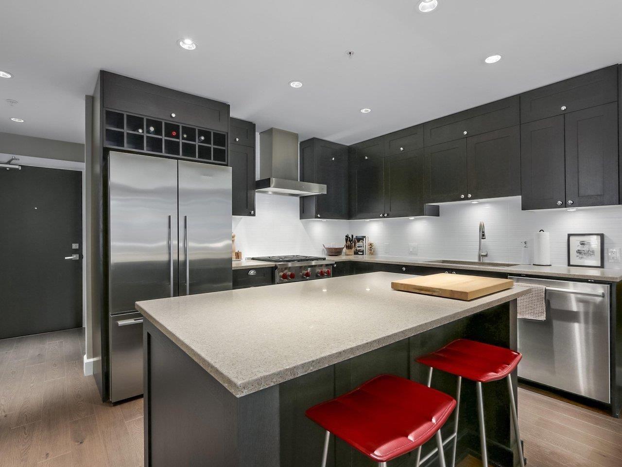 Main Photo: 110 15155 36 Avenue in Surrey: Morgan Creek Condo for sale (South Surrey White Rock)  : MLS®# R2371354