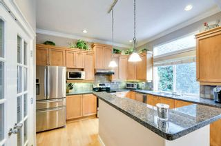 """Photo 4: 15588 33 Avenue in Surrey: Morgan Creek House for sale in """"Rosemary Heights"""" (South Surrey White Rock)  : MLS®# R2132554"""