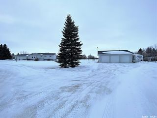 Photo 13: 800 McKenzie Street North in Outlook: Residential for sale : MLS®# SK839744