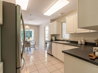 """Photo 10: 305 1150 LYNN VALLEY Road in North Vancouver: Lynn Valley Condo for sale in """"The Laurels"""" : MLS®# R2496029"""