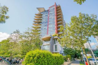 """Photo 2: 805 980 COOPERAGE Way in Vancouver: Yaletown Condo for sale in """"COOPERS POINTE by Concord Pacific"""" (Vancouver West)  : MLS®# R2614161"""