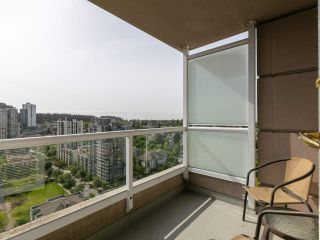 """Photo 4: 1802 5189 GASTON Street in Vancouver: Collingwood VE Condo for sale in """"THE MACGREGOR"""" (Vancouver East)  : MLS®# R2369458"""