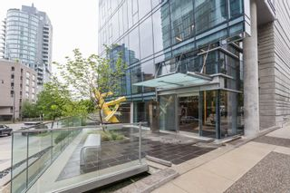 """Photo 3: 1501 1499 W PENDER Street in Vancouver: Coal Harbour Condo for sale in """"WEST PENDER PLACE"""" (Vancouver West)  : MLS®# R2057520"""