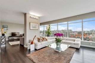 """Photo 2: 1401 1661 ONTARIO Street in Vancouver: False Creek Condo for sale in """"Millennium Water"""" (Vancouver West)  : MLS®# R2521704"""