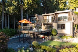 Photo 2: 4066 NORWOOD Avenue in North Vancouver: Upper Delbrook House for sale : MLS®# R2614704