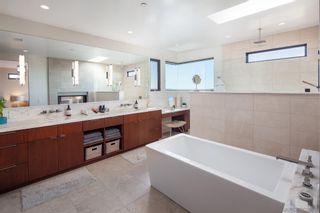 Photo 22: LA JOLLA House for sale : 5 bedrooms : 5552 Via Callado