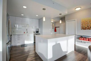 Photo 6: 2102 1078 6 Avenue SW in Calgary: Downtown West End Apartment for sale : MLS®# A1115705