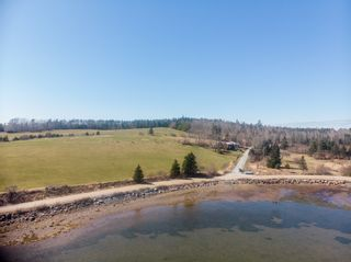 Photo 2: 19 Osprey Lane in Second Peninsula: 405-Lunenburg County Residential for sale (South Shore)  : MLS®# 202108663