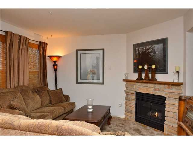 Photo 5: Photos: 1 2212 ATKINS Avenue in Port Coquitlam: Central Pt Coquitlam Townhouse for sale : MLS®# V976496