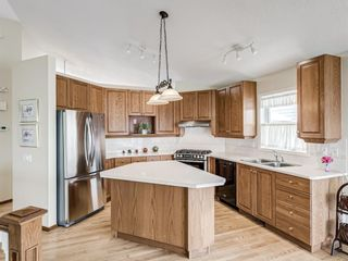 Photo 11: 2269 Sirocco Drive SW in Calgary: Signal Hill Detached for sale : MLS®# A1068949