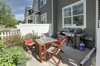 Photo 4: 333 ELGIN Garden SE in Calgary: McKenzie Towne Row/Townhouse for sale : MLS®# C4249507