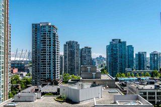 """Photo 10: 1207 989 RICHARDS Street in Vancouver: Downtown VW Condo for sale in """"MONDRIAN I"""" (Vancouver West)  : MLS®# R2373679"""