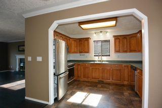 """Photo 10: 1488 WILLOW Street: Telkwa House for sale in """"Woodland Park"""" (Smithers And Area (Zone 54))  : MLS®# R2604473"""