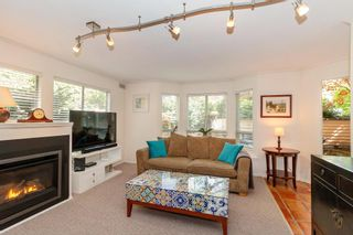 "Photo 2: 101 123 E 6TH Street in North Vancouver: Lower Lonsdale Condo for sale in ""HARBOURGATE"" : MLS®# R2364777"