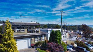 Photo 1: 948 KENT Street: White Rock House for sale (South Surrey White Rock)  : MLS®# R2615798