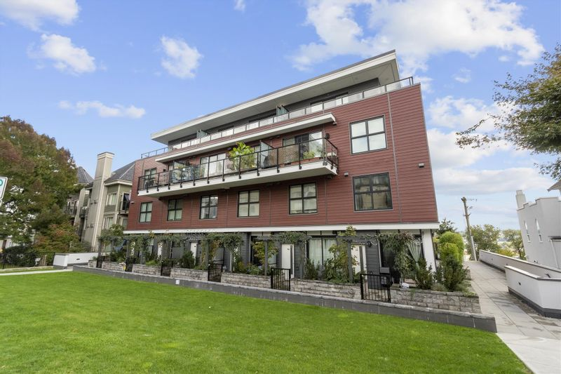 FEATURED LISTING: 104 - 217 CLARKSTON Street New Westminster