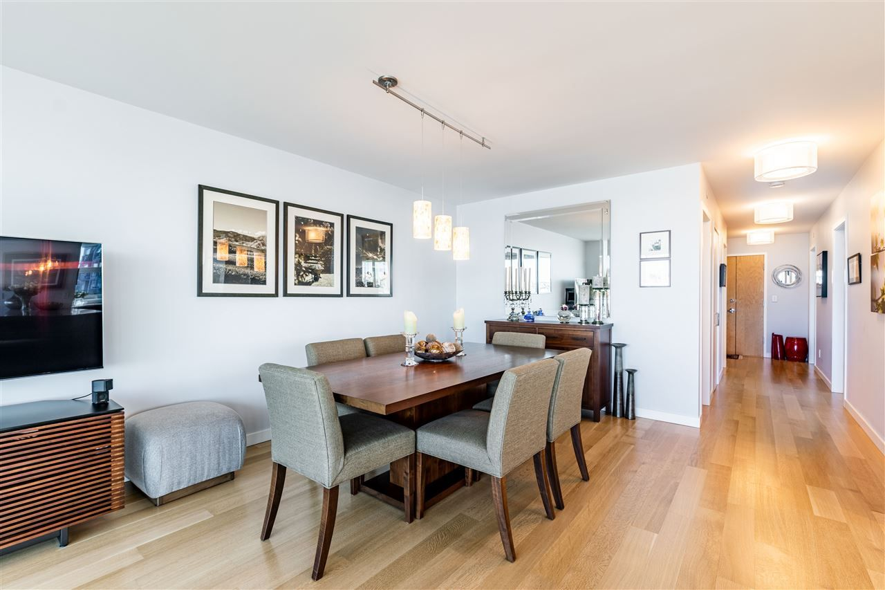 """Photo 14: Photos: 1605 120 MILROSS Avenue in Vancouver: Downtown VE Condo for sale in """"THE BRIGHTON BY BOSA"""" (Vancouver East)  : MLS®# R2568798"""