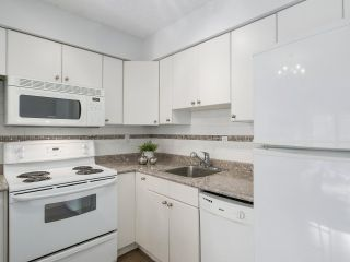 "Photo 8: 307 2120 W 2ND Avenue in Vancouver: Kitsilano Condo for sale in ""ARBUTUS PLACE"" (Vancouver West)  : MLS®# R2240959"