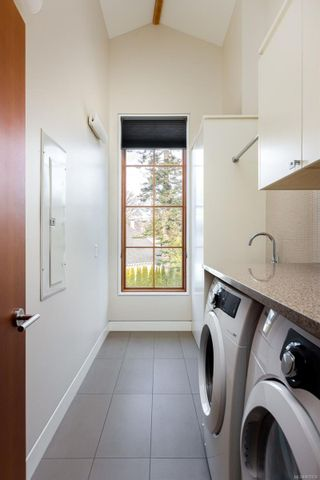 Photo 27: 2001 Runnymede Ave in Victoria: Vi Fairfield East House for sale : MLS®# 865939