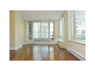 """Photo 2: 906 1088 RICHARDS Street in Vancouver: Yaletown Condo for sale in """"RICHARDS"""" (Vancouver West)  : MLS®# V1115263"""
