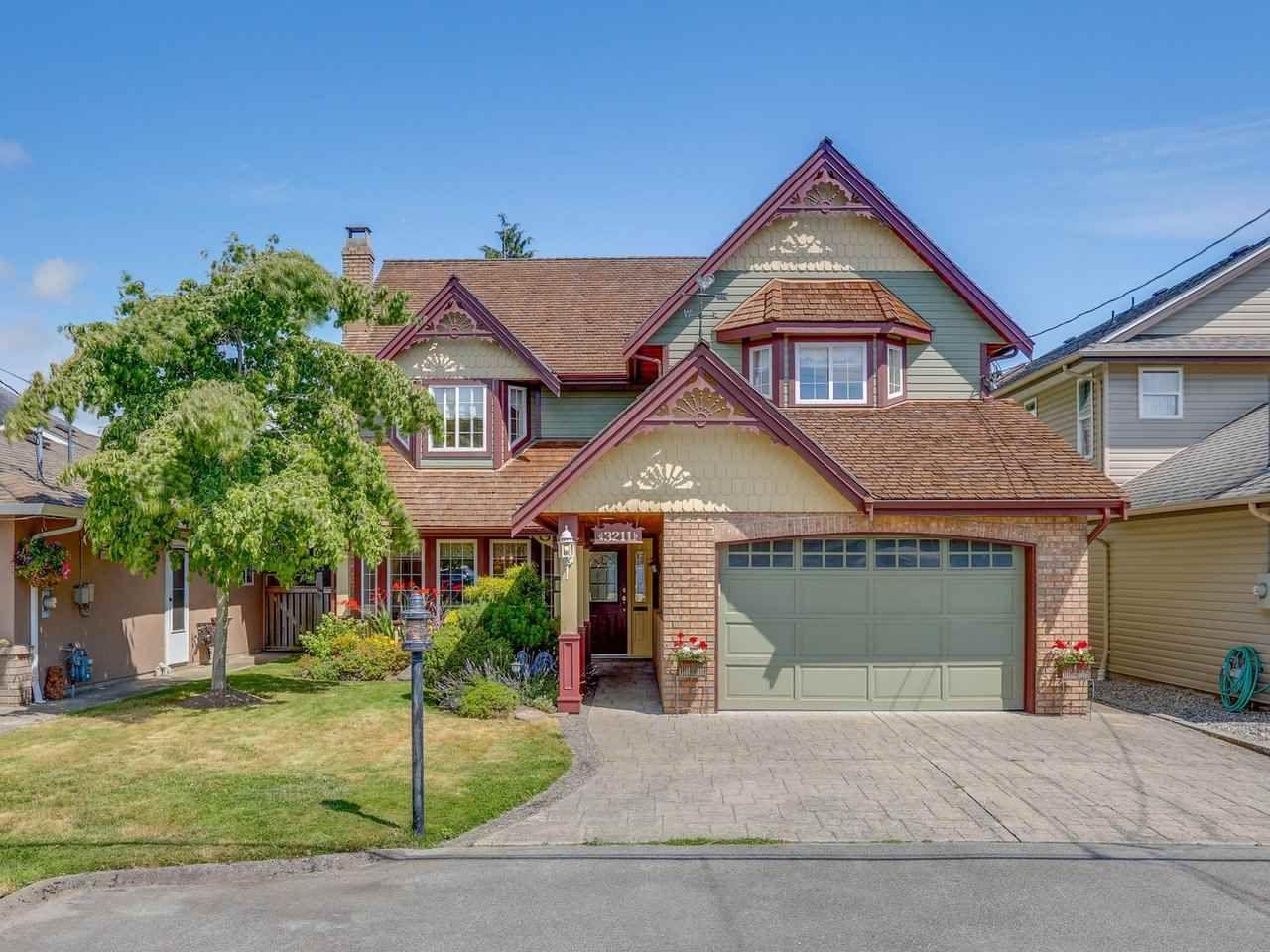 "Main Photo: 3211 REGENT Street in Richmond: Steveston Village House for sale in ""STEVESTON"" : MLS®# R2474532"