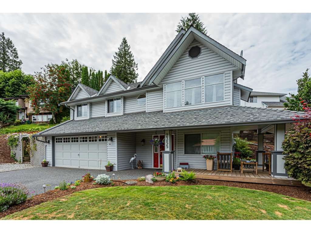 Main Photo: 2355 ORCHARD Drive in Abbotsford: Abbotsford East House for sale : MLS®# R2509564