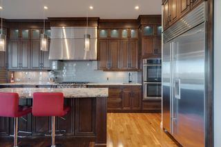 Photo 7: 2533 77 Street SW in Calgary: Springbank Hill Detached for sale : MLS®# A1065693