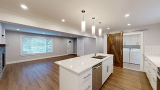 Photo 5: 41756 GOVERNMENT Road in Squamish: Brackendale House for sale : MLS®# R2625589