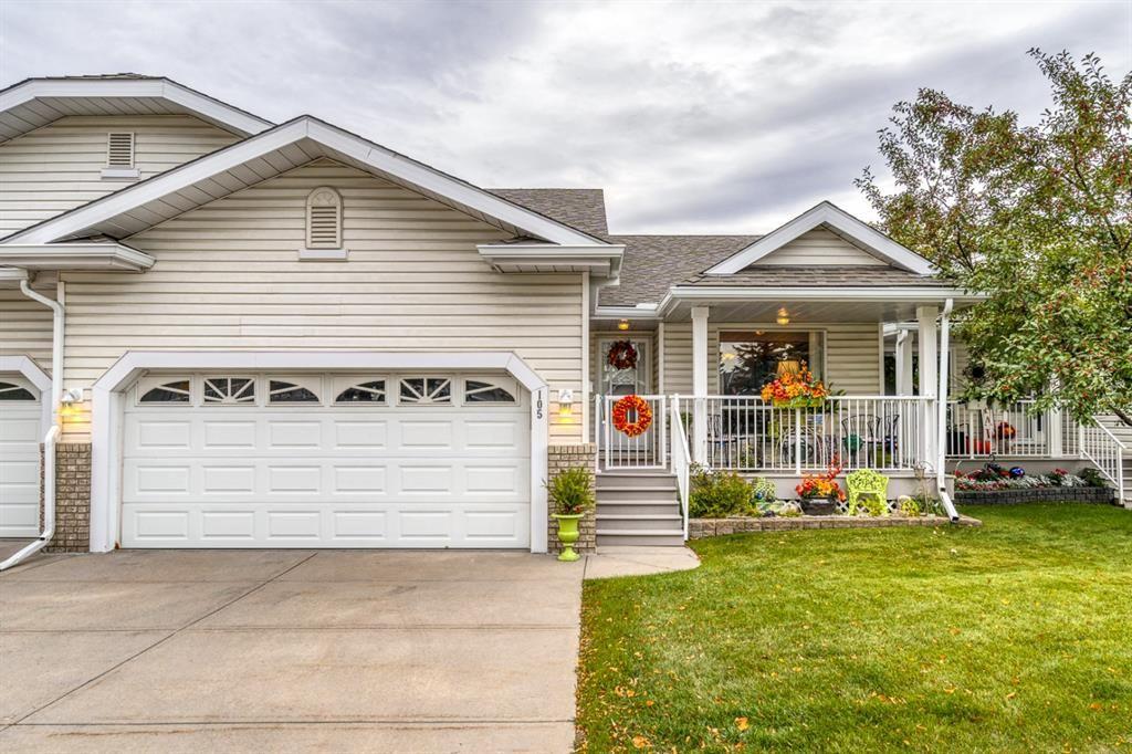 Main Photo: 105 Macewan Ridge Villas NW in Calgary: MacEwan Glen Row/Townhouse for sale : MLS®# A1147828