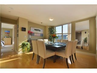 Photo 2: 2401 969 RICHARDS Street in Vancouver: Downtown VW Condo for sale (Vancouver West)  : MLS®# V992058