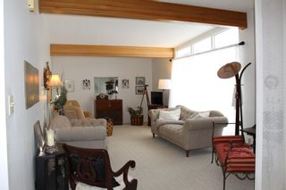 Photo 2: 956 Lodge Avenue in Pincher Creek: House for sale
