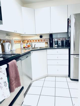 """Photo 3: 908 1166 MELVILLE Street in Vancouver: Coal Harbour Condo for sale in """"ORCA PLACE"""" (Vancouver West)  : MLS®# R2553415"""