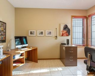 Photo 14: 75 SILVERSTONE Road NW in Calgary: Silver Springs Detached for sale : MLS®# C4287056