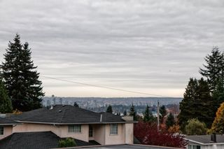 """Photo 25: 101 2615 LONSDALE Avenue in North Vancouver: Upper Lonsdale Condo for sale in """"HarbourView"""" : MLS®# V1078869"""