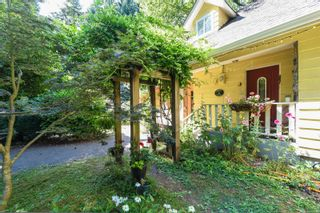 Photo 4: 410 Ships Point Rd in : CV Union Bay/Fanny Bay House for sale (Comox Valley)  : MLS®# 882670