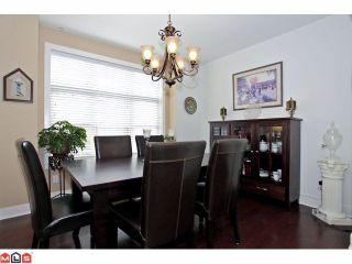Photo 3: 203 16433 64TH Avenue in Surrey: Cloverdale BC Condo for sale (Cloverdale)  : MLS®# F1224149