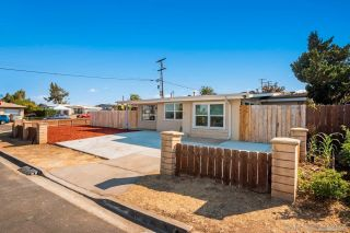 Photo 2: COLLEGE GROVE House for sale : 4 bedrooms : 3804 Jodi St in San Diego