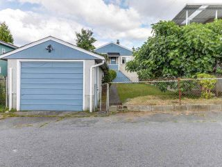 """Photo 17: 4281 VICTORIA Drive in Vancouver: Victoria VE House for sale in """"CEDAR COTTAGE"""" (Vancouver East)  : MLS®# R2151080"""