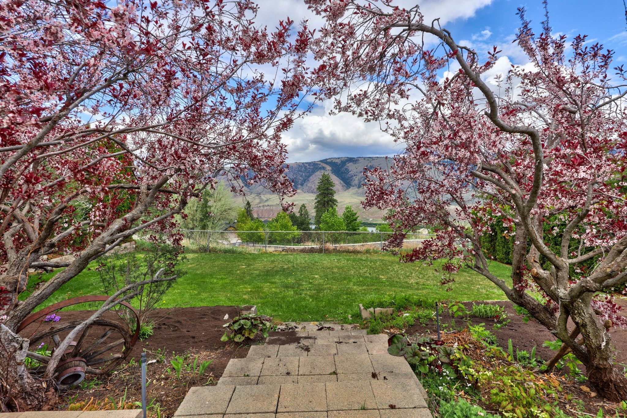 Photo 37: Photos: 2816 Capilano Drive in Kamloops: Juniper Heights House for sale : MLS®# 162002