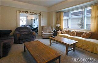 Photo 7: 2324 Richmond Rd in : Vi Jubilee House for sale (Victoria)  : MLS®# 869564