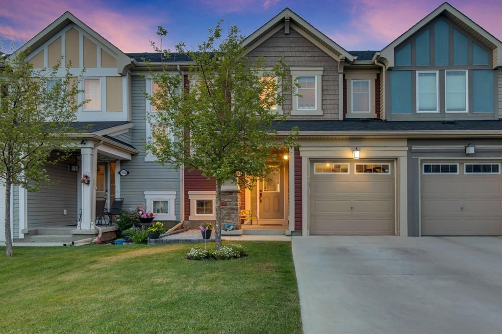 Main Photo: 244 Viewpointe Terrace: Chestermere Row/Townhouse for sale : MLS®# A1108353