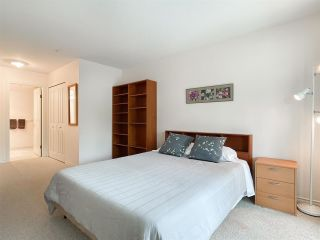 """Photo 9: 210 2105 W 42ND Avenue in Vancouver: Kerrisdale Condo for sale in """"BROWNSTONE"""" (Vancouver West)  : MLS®# R2582976"""