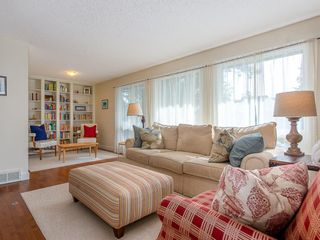 Photo 5: 5451 Silverdale Drive NW in Calgary: Silver Springs Detached for sale : MLS®# A1011333