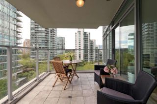 "Photo 14: 701 1650 BAYSHORE Drive in Vancouver: Coal Harbour Condo for sale in ""BAYSHORE GARDENS"" (Vancouver West)  : MLS®# R2304976"