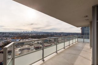 """Photo 11: 2507 2289 YUKON Crescent in Burnaby: Brentwood Park Condo for sale in """"Watercolours"""" (Burnaby North)  : MLS®# R2420435"""