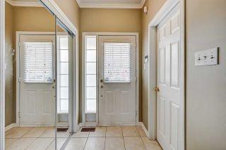 Photo 3: 179 Ellis Crescent in Milton: Dempsey House (2-Storey) for sale : MLS®# W4750348