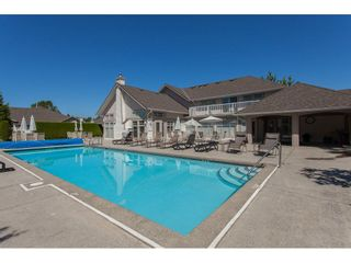 """Photo 18: 117 9012 WALNUT GROVE Drive in Langley: Walnut Grove Townhouse for sale in """"Queen Anne Green"""" : MLS®# R2184552"""